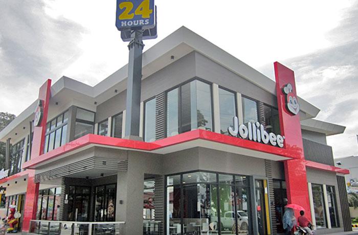 フィリピン留学 EG Academy - 目の前のファーストフード店