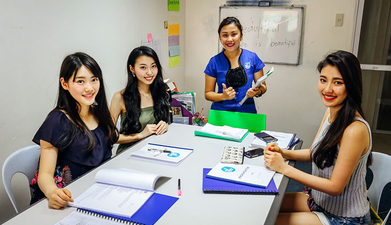 フィリピン留学 First English Global College in セブ島 - Group Class!