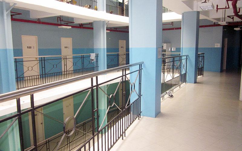 フィリピン留学 HELP LONGLONG - 建物は計6階