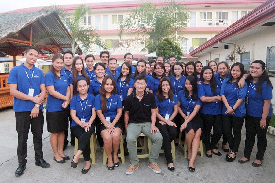 フィリピン留学 C2 Ubec English Academy - 学校講師陣