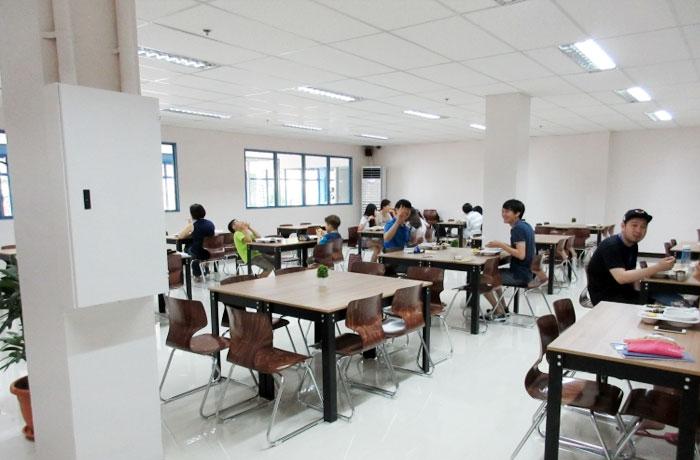 フィリピン留学 JIC CEBU - 日本人向けの辛くない食事も提供されています