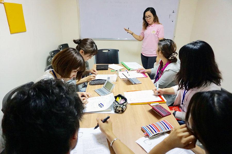 フィリピン留学 Cebu English Academy - グループレッスン