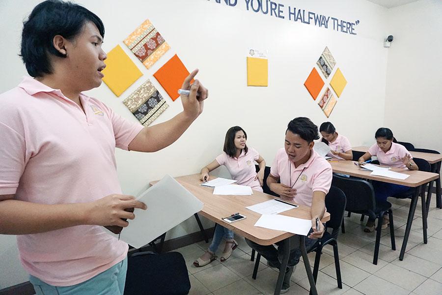 フィリピン留学 Cebu English Academy - ティーチャートレーニング