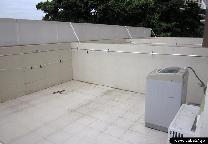 フィリピン留学 JIC CEBU - 洗濯ものが干せるバルコニー