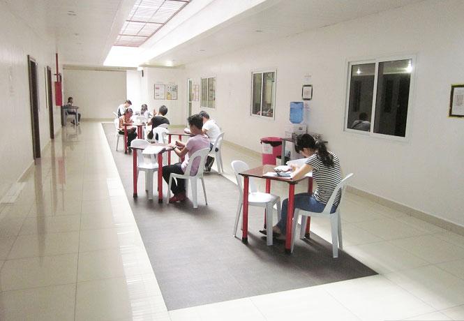 フィリピン留学 JIC CEBU - 講師陣休憩スペース