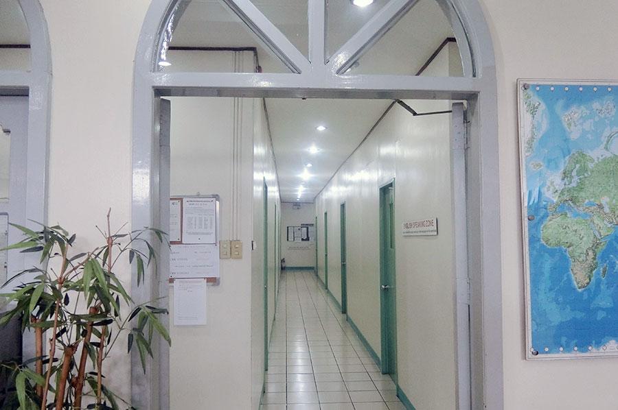フィリピン留学 CNN International Language School  校舎内の様子1