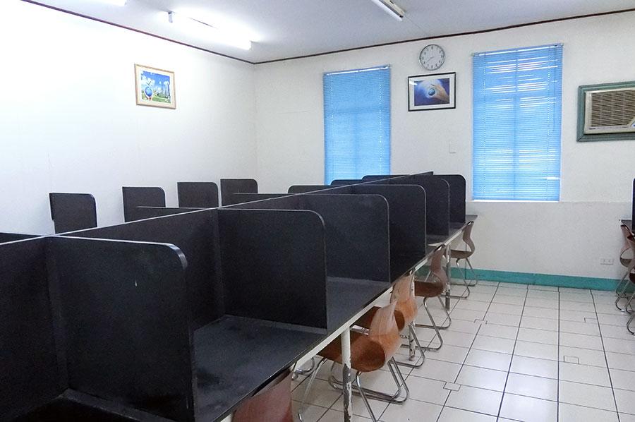フィリピン留学 CNN International Language School  自習室