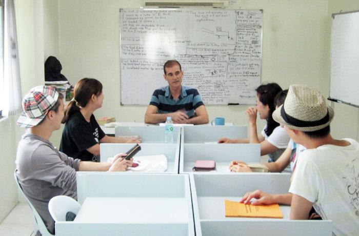 フィリピン留学 English Fella 2 - 欧米講師グループ授業