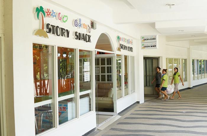 フィリピン留学 JIC CEBU - 学校横のコンビニエンスストアー