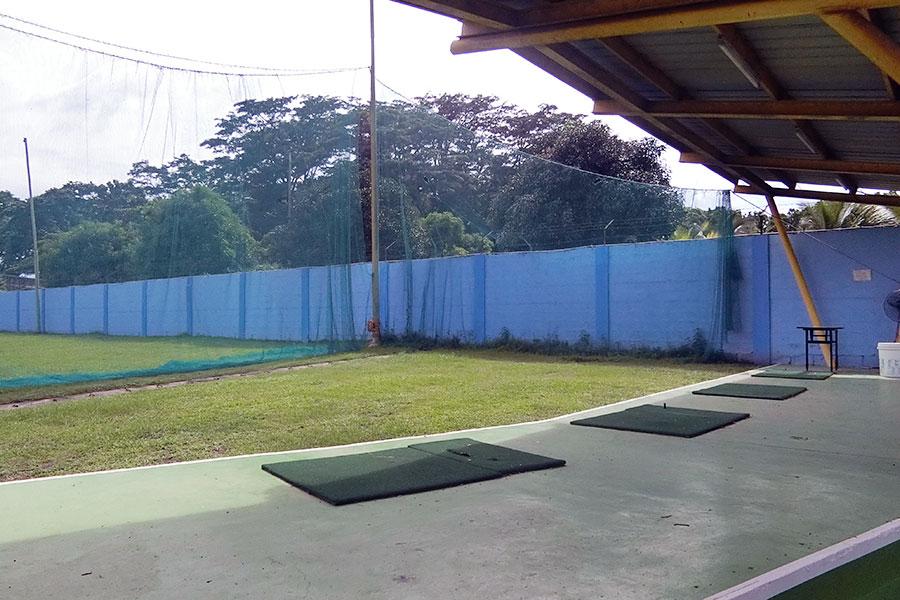 フィリピン留学 HELP Clark 無料のゴルフ打ちっぱなし