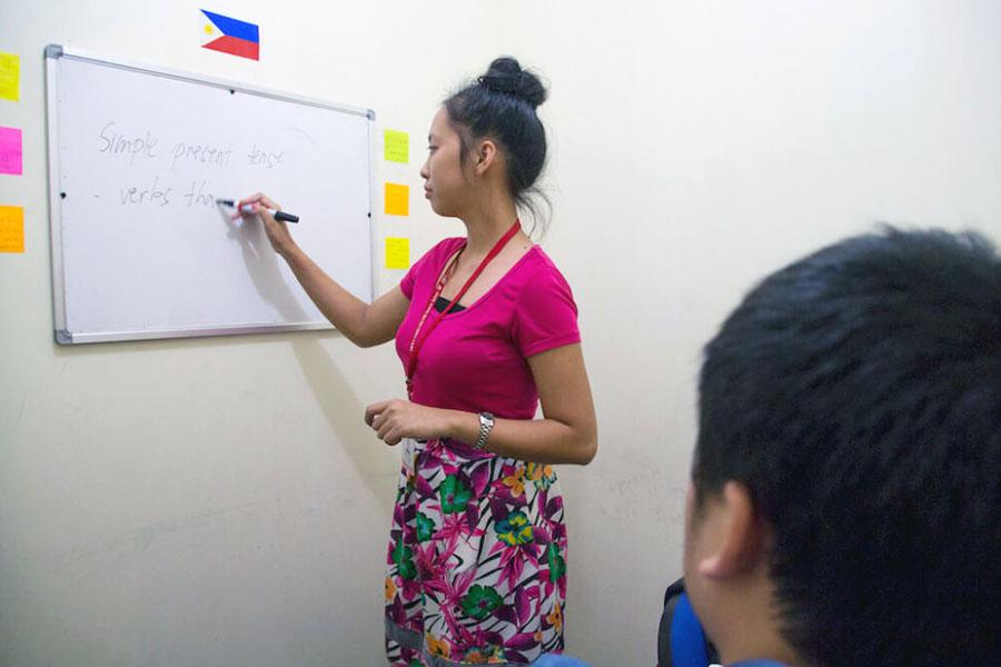 フィリピン留学 HELP Clark マンツーマン授業の様子1