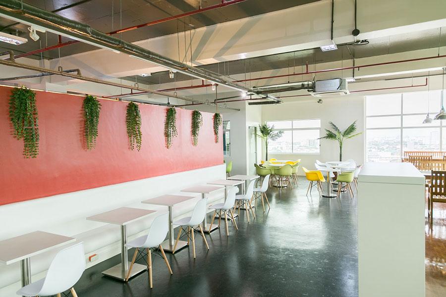 フィリピン留学 IDEA Academia - 広々としたフリースペース
