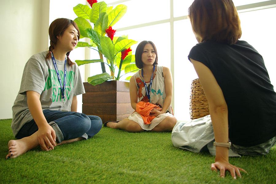 フィリピン留学 IDEA Academia - グリーンエリアは交流の場として人気