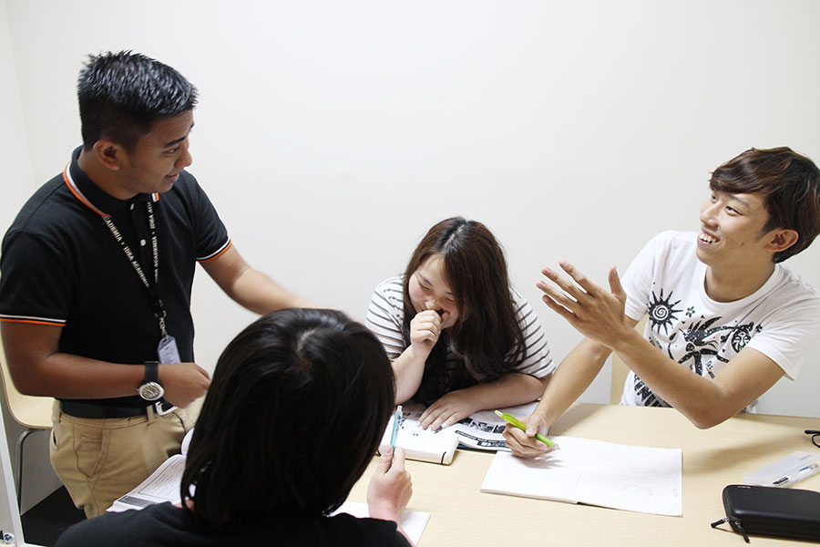 フィリピン留学 IDEA Academia - グループクラスは選択制