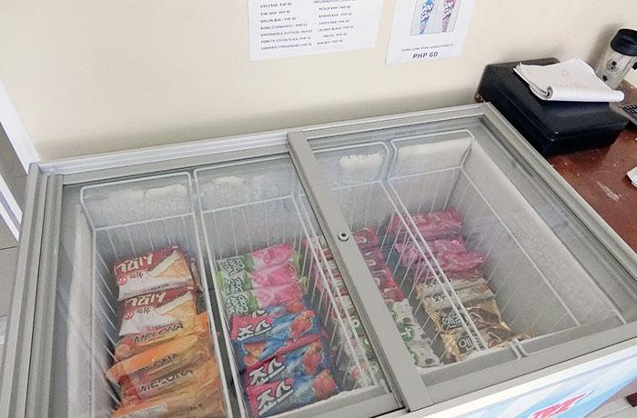 フィリピン留学 JIC CEBU - アイスも売店で購入可!