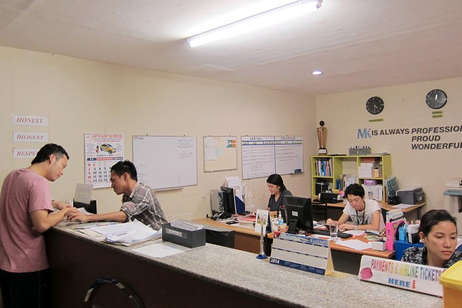 フィリピン留学 MK EDUCATION International Language school スタッフオフィス