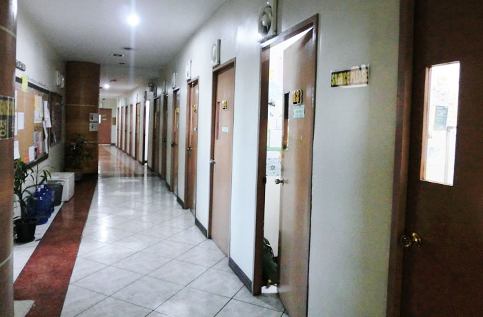 フィリピン留学 JIC CEBU - 教室&廊下