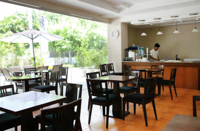 フィリピン留学 TARGET - ホテル内カフェ