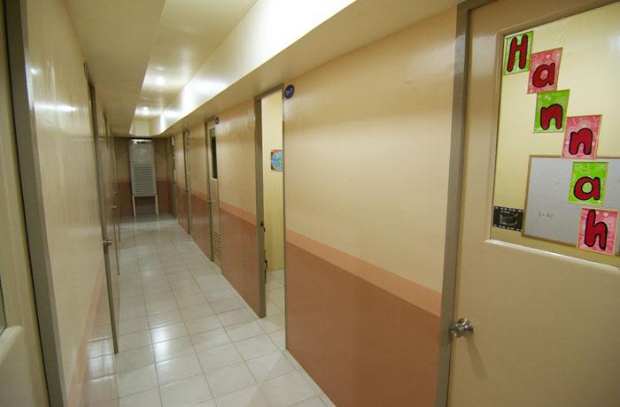フィリピン留学 UV ESL - 廊下