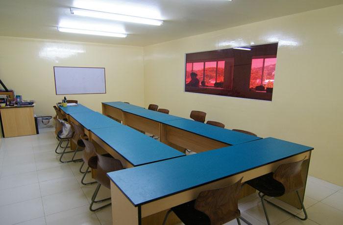 フィリピン留学 UV ESL - グループ講義室