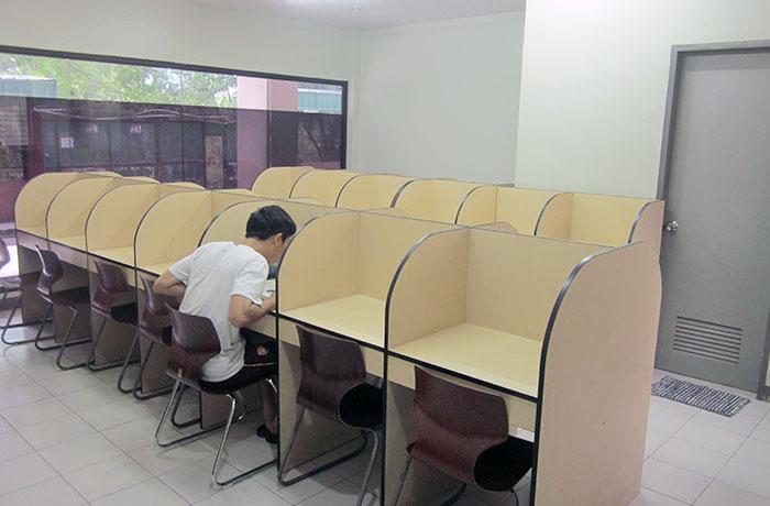 フィリピン留学 UV ESL - 自習室