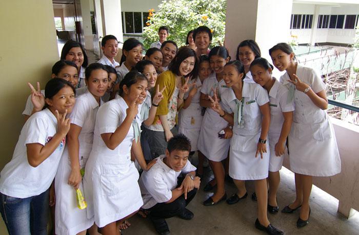 フィリピン留学 UV ESL - 現地大学生との交流