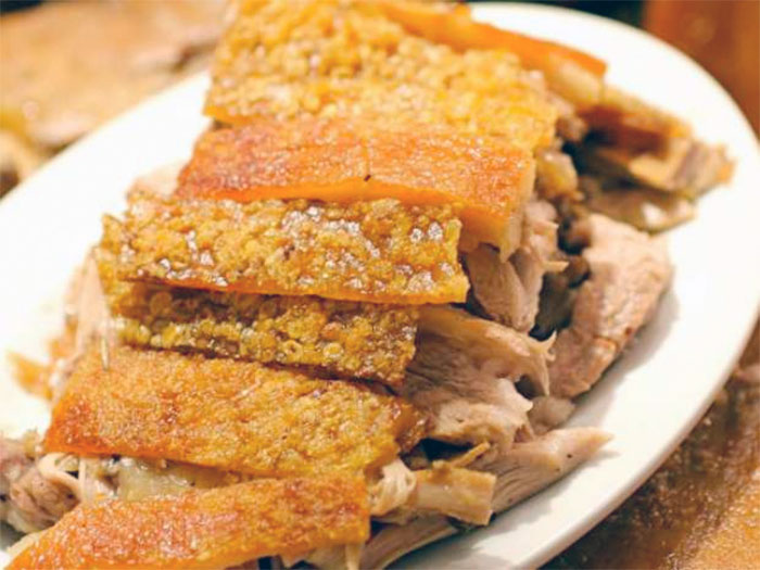 人気のフィリピン料理7選 - レチョン(LECHON) 地元民のごちそう